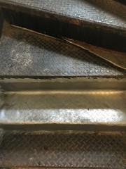 ビリヤニ屋の階段2