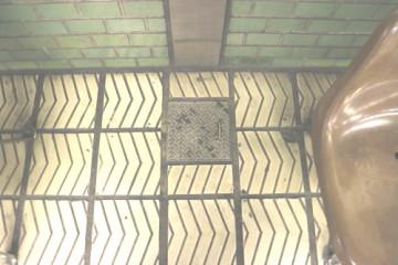 縞板-地下鉄⑤